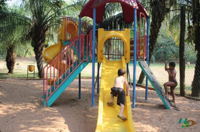 criancas-em-bonito-parque