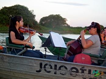 violino-rio-paraguai-instituto-cultural-moinho-corumba-cruzeiro-pantanal-joice-tour-h2o-ecoturismo-msdscf1583